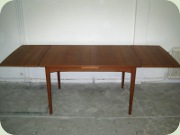 Scandinavian 50's or 60's extendable teak dining table