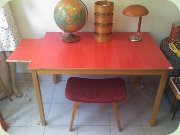 Table with red Perstorp laminate top